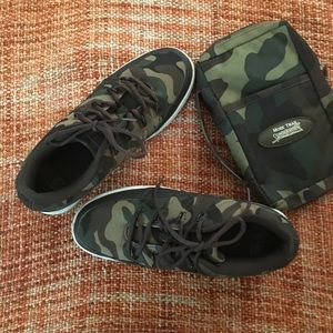 Lugz Camouflage Shoes and Bag